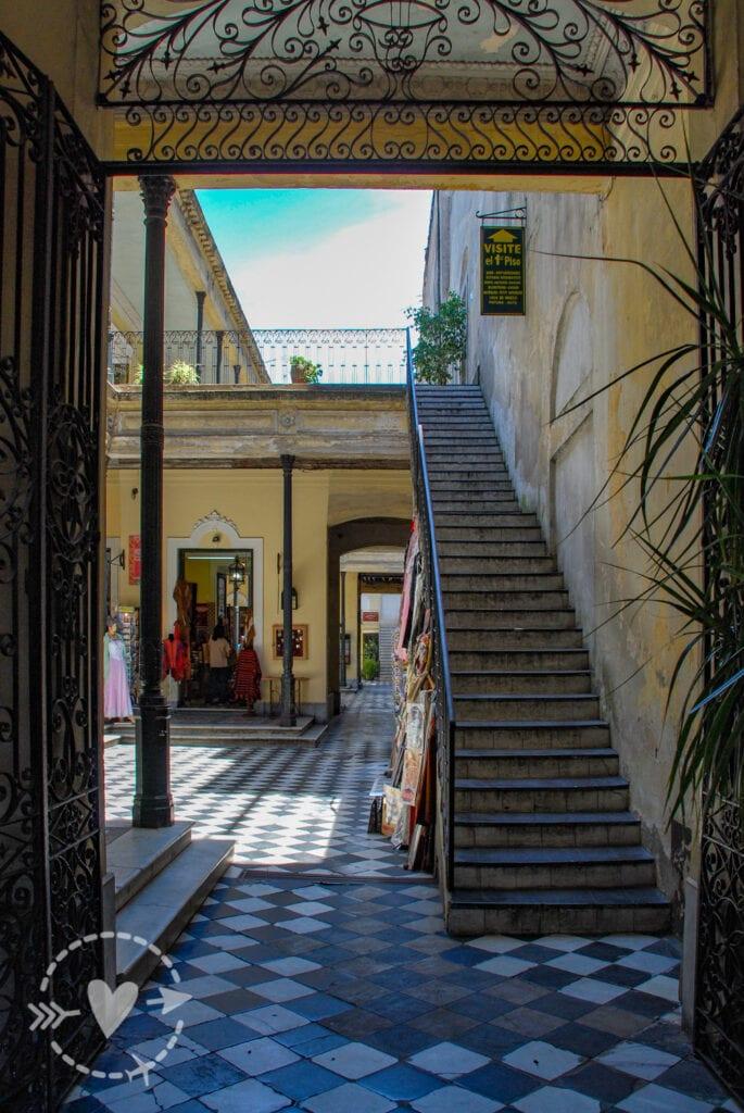 Cortile interno quartiere Sant'Elmo