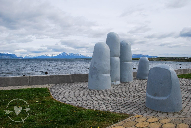 Monumento de la mano, Puerto Natales, Cile