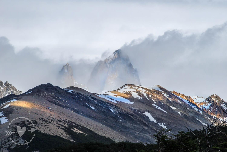 Monte Fitz Roy, Fitz Roy 3 405 m s.l.m., El Chaltén avvolto dalle nubi